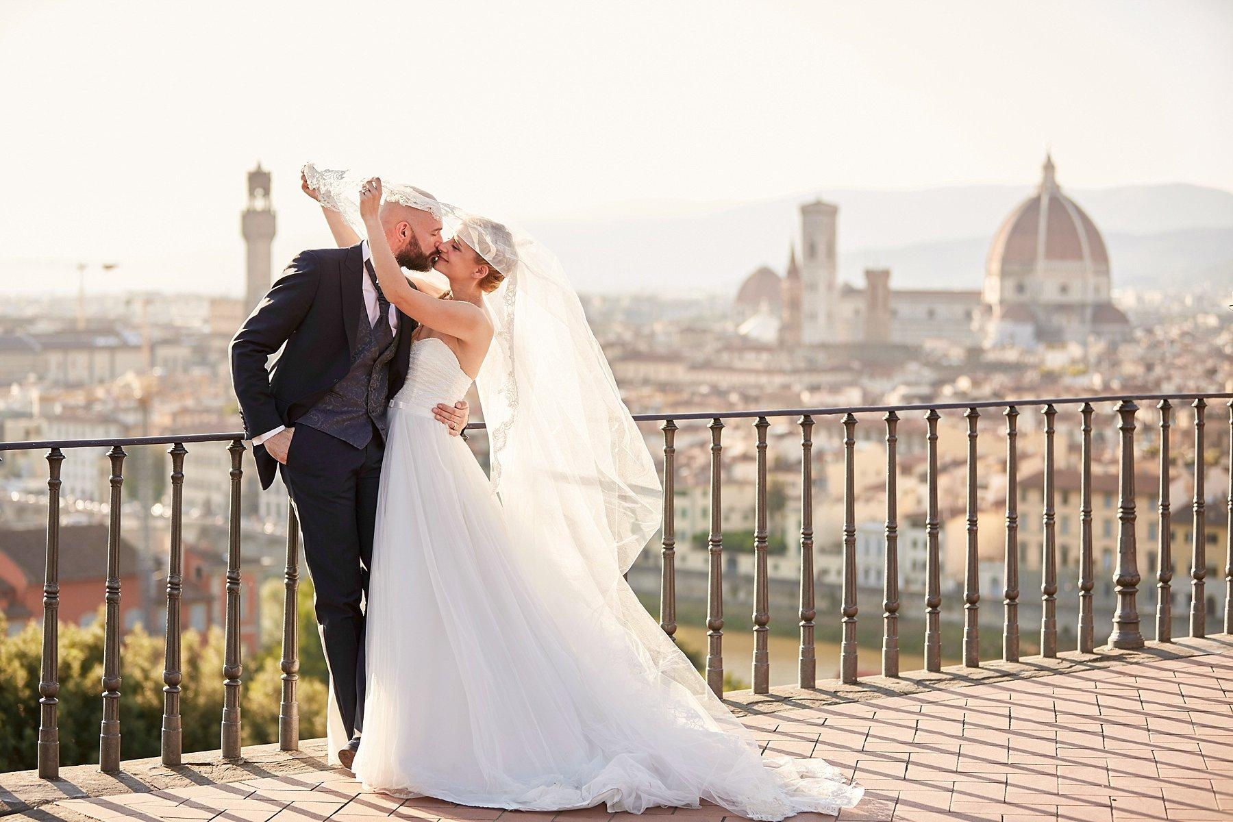 ritratto di sposi a Firenze dal piazzale michelangelo
