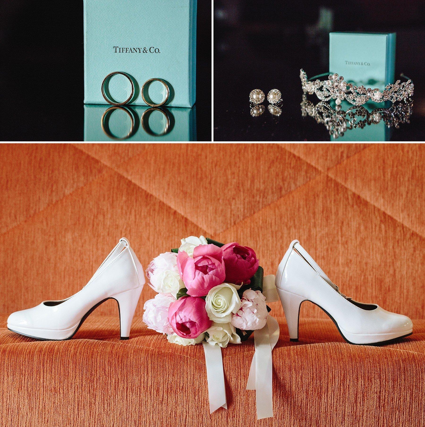 anelli Tiffani & co e scarpe da sposa con mazzolino