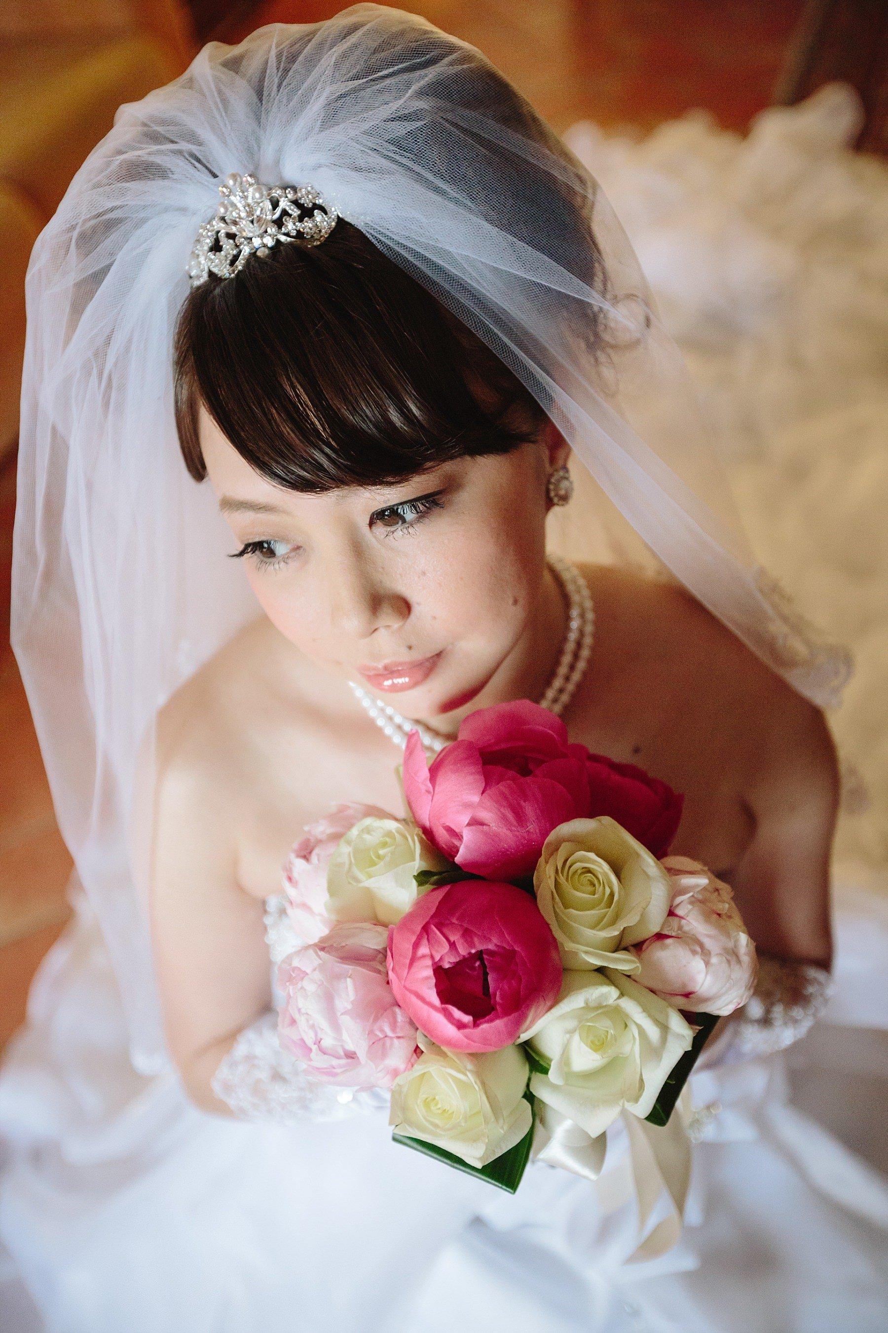 Ritratto di una sposa con mazzolino