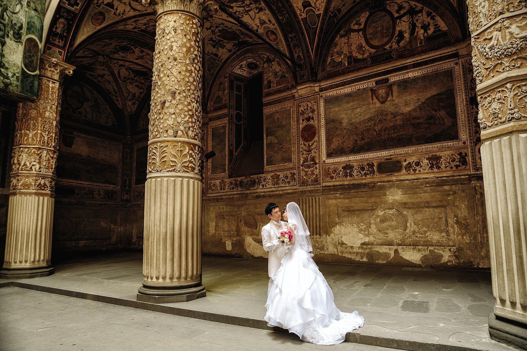 Foto ritratti di sposi a Firenze nel Palazzo Vecchio