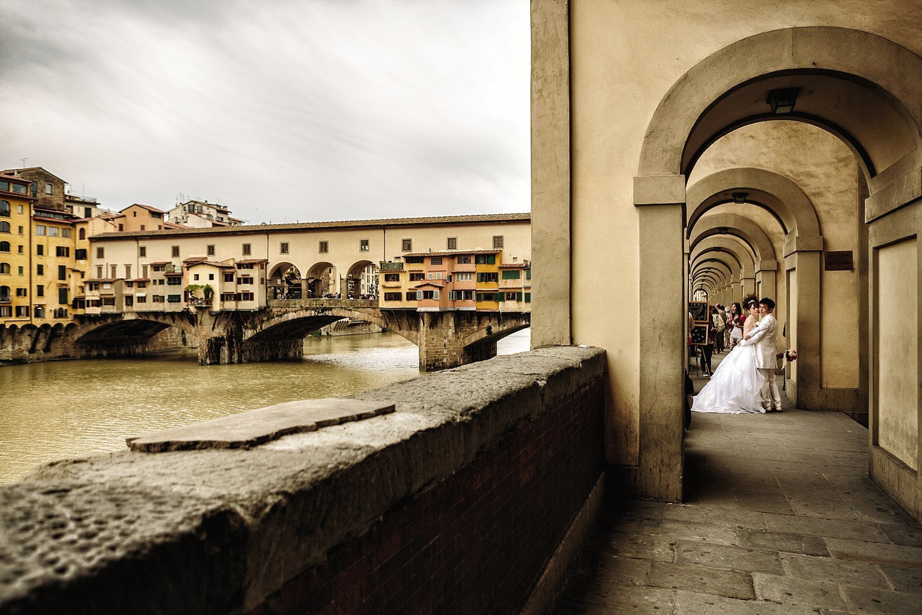 Fotografia di Matrimonio a firenze vicino al Ponte Vecchio