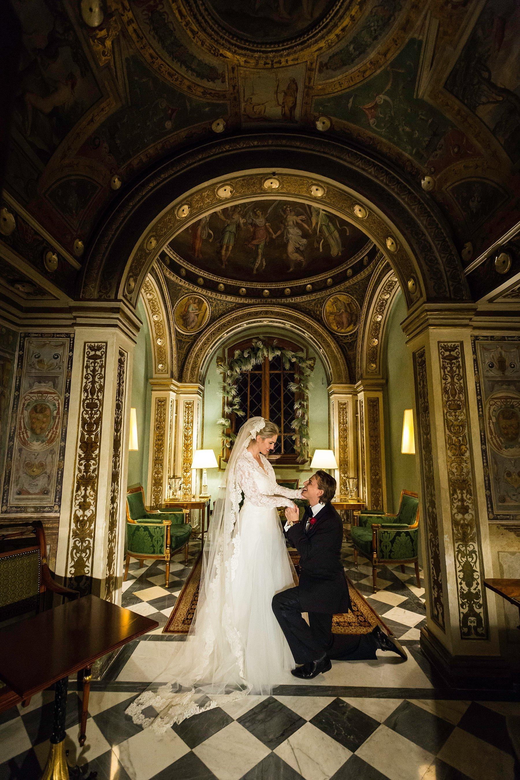 Sposi nella cappellino al Four Seasons