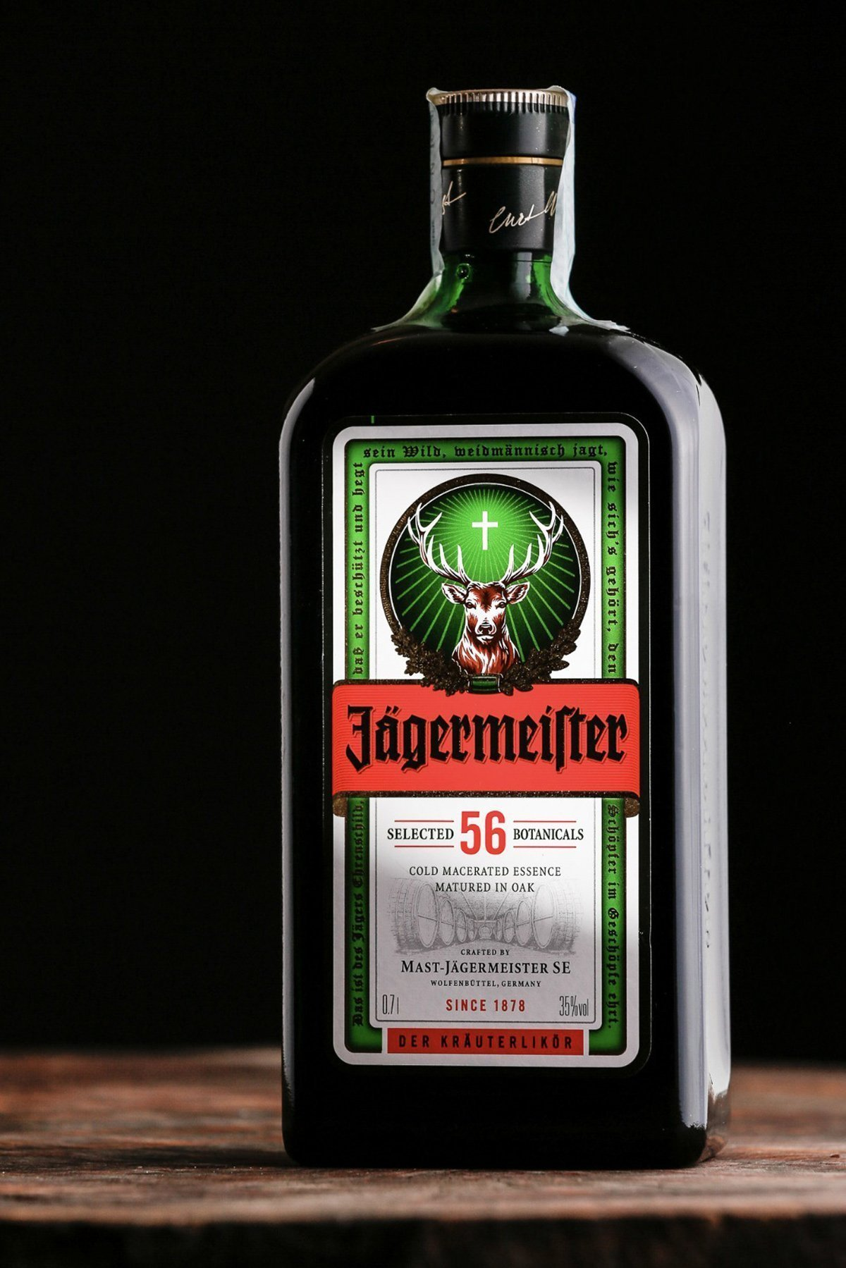 fotografia-di-still-life-bottiglie-stilllife-beverage-photography-jagermeifter