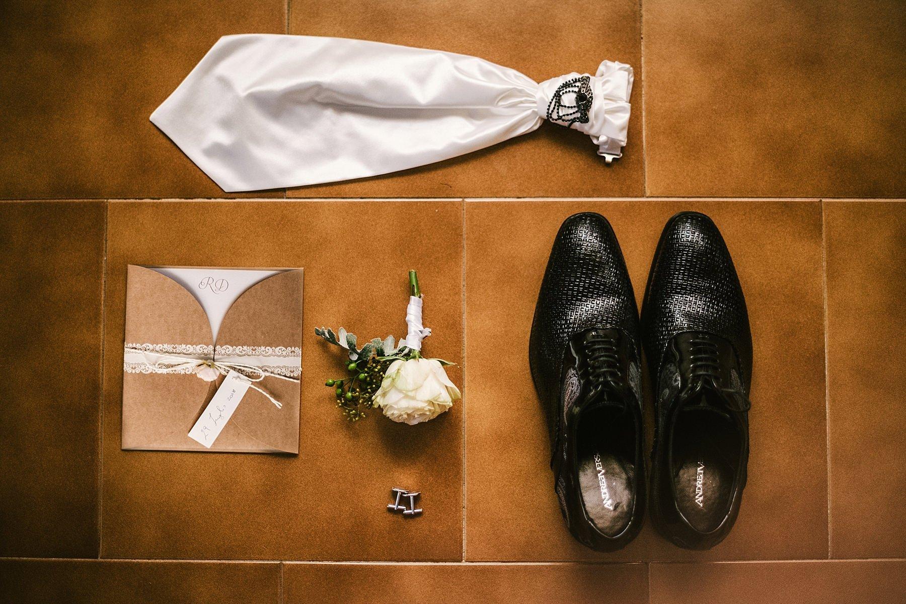 accessori vestito da sposo