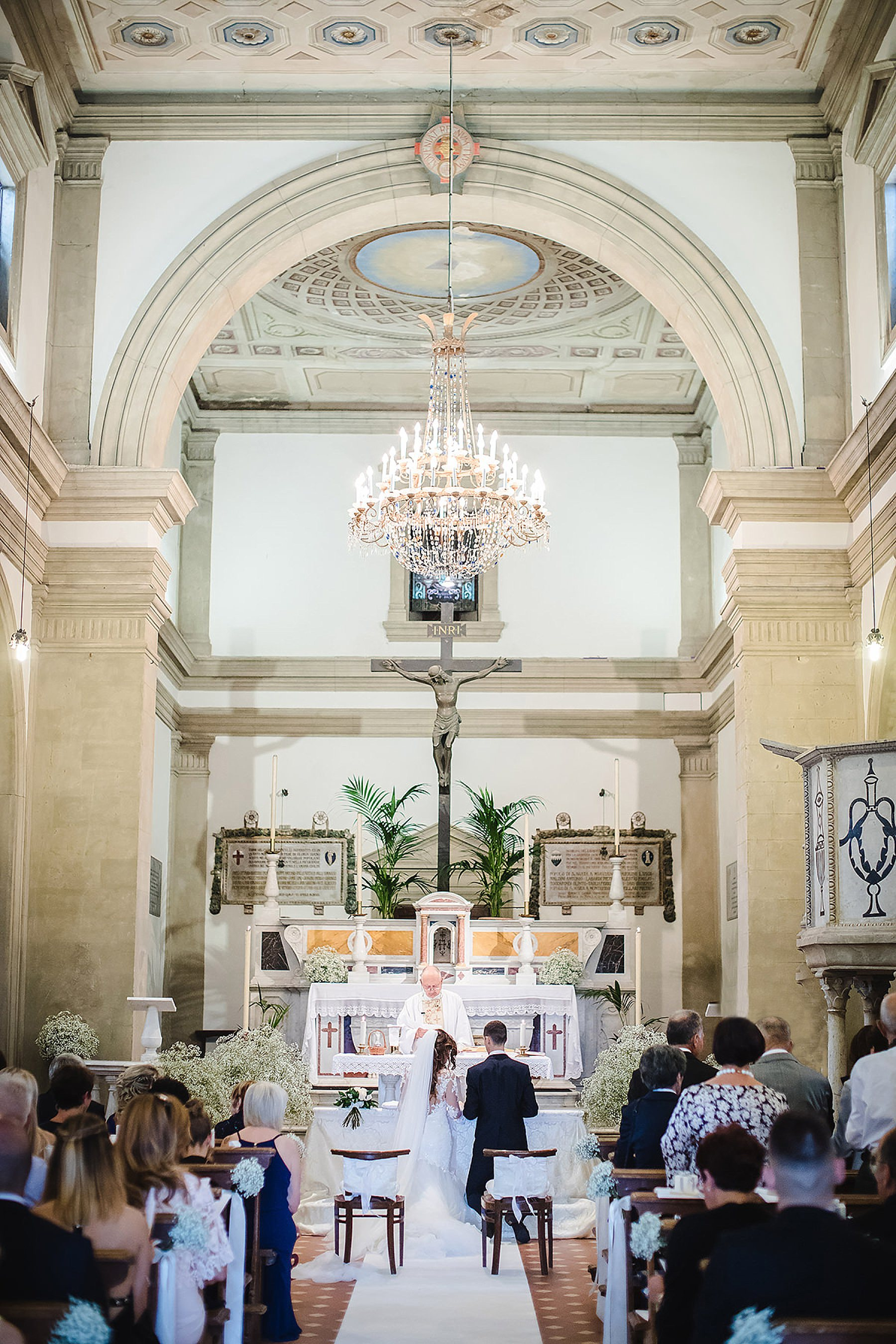 interno della chiesa di San Giovanni maggiore nel Mugello