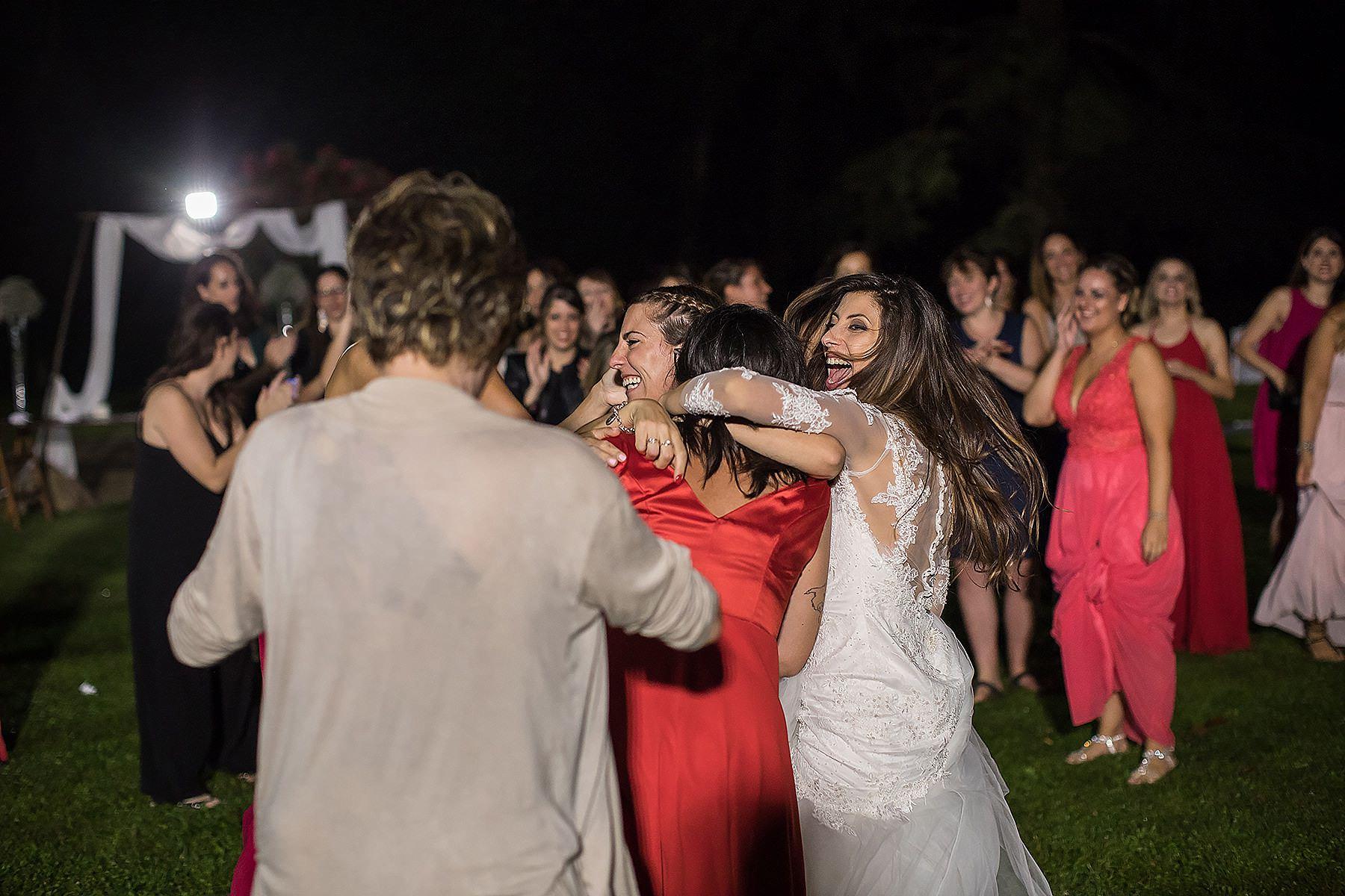 lancio del mazzolino della sposa
