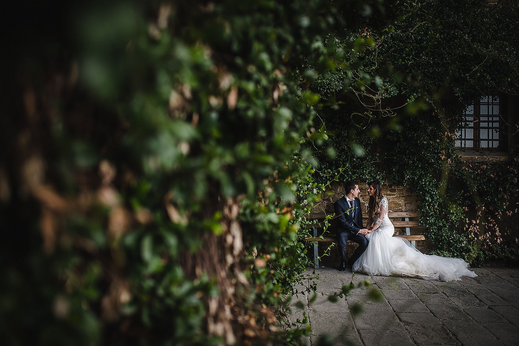 sposi sulla panchina di San Miniato a Monte a Firenze