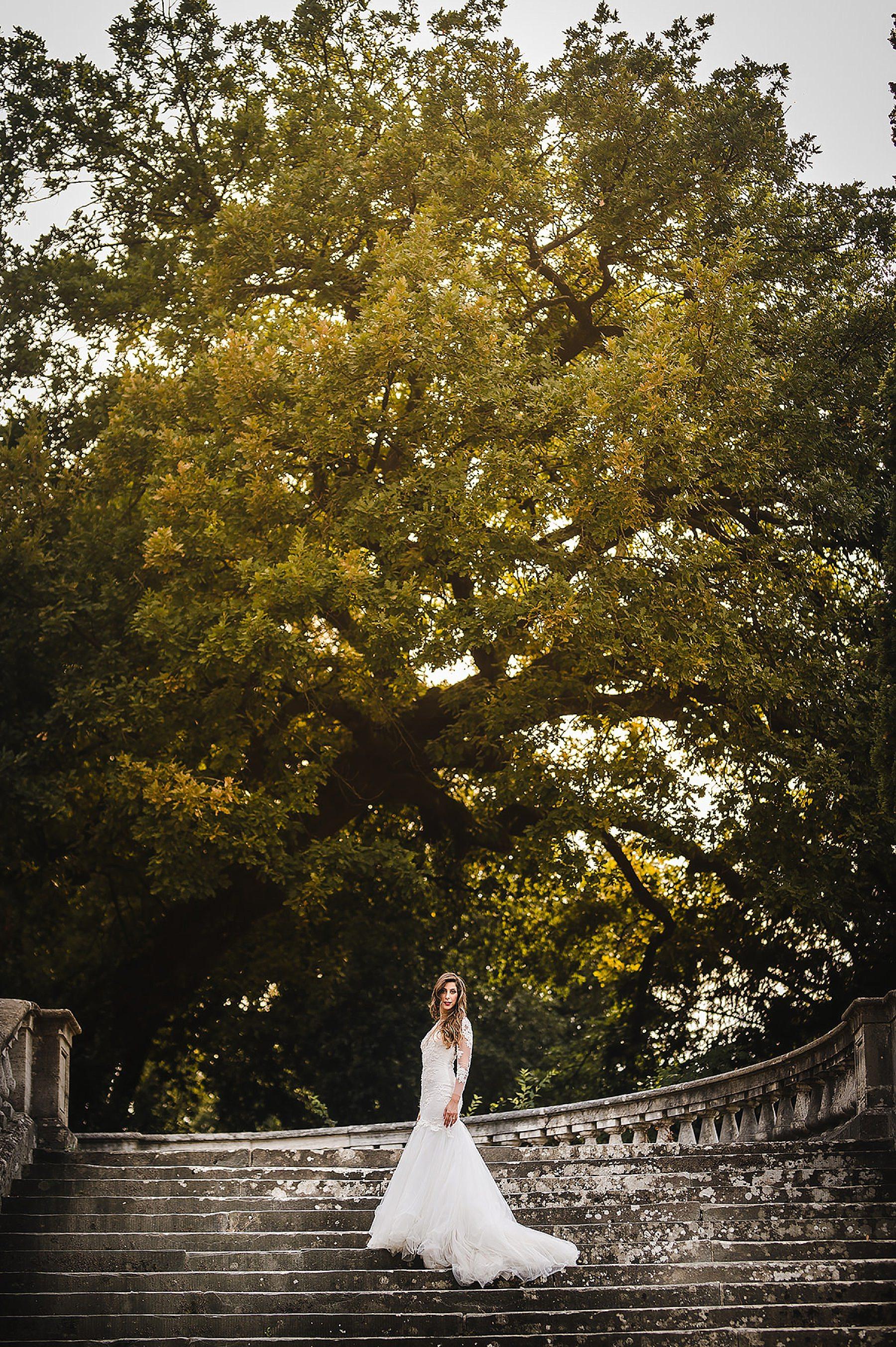 Sposa sulle scale di San Miniato a Monte Firenze