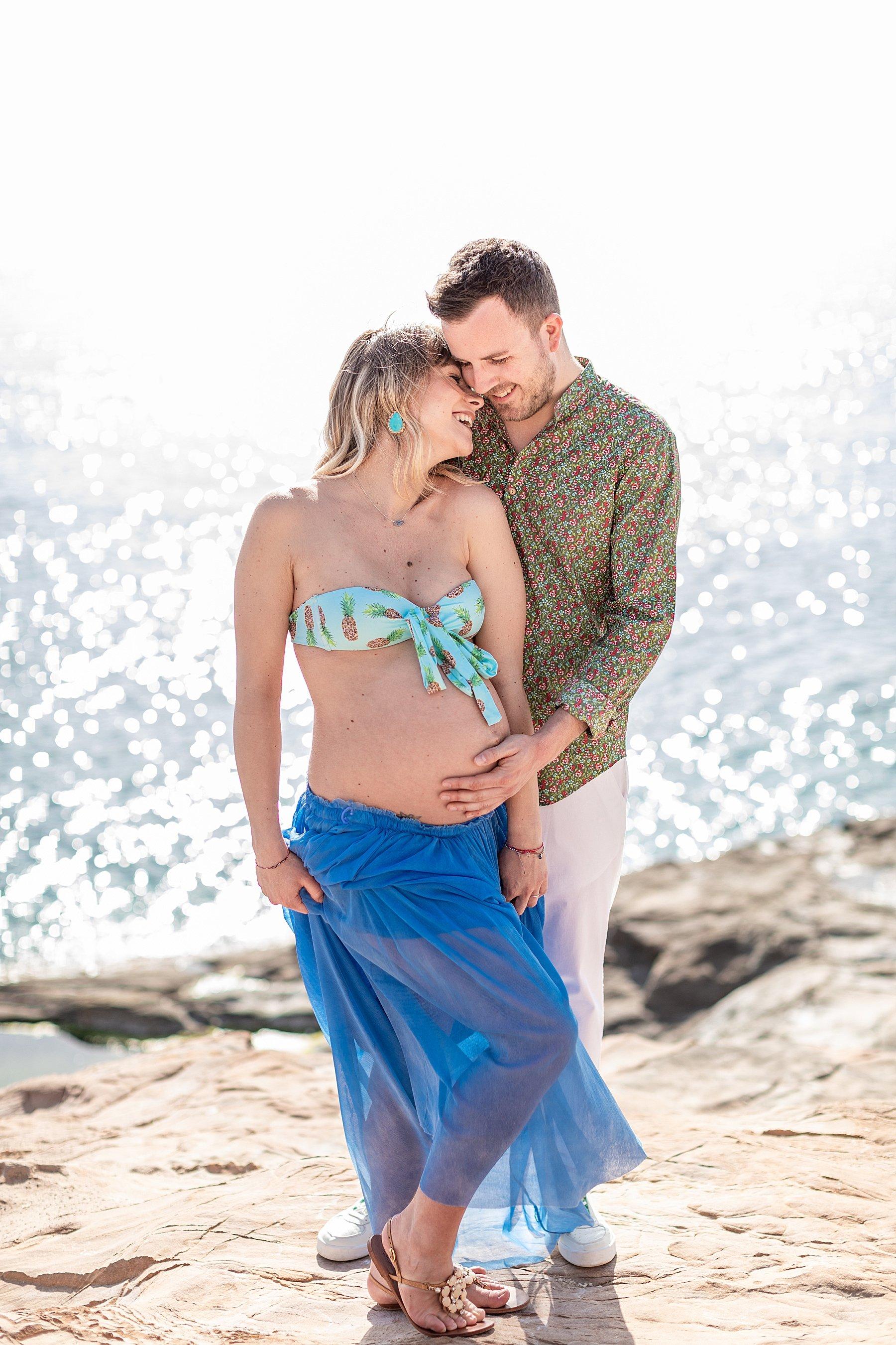 fotografia di maternità al mare