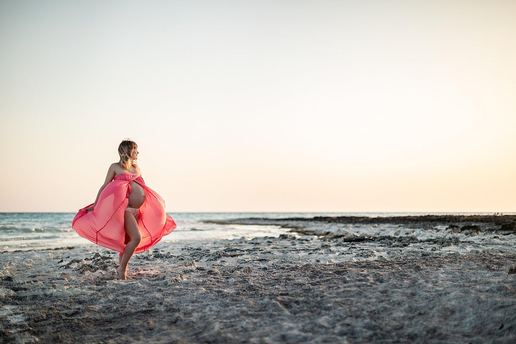 fotografia maternità al mare