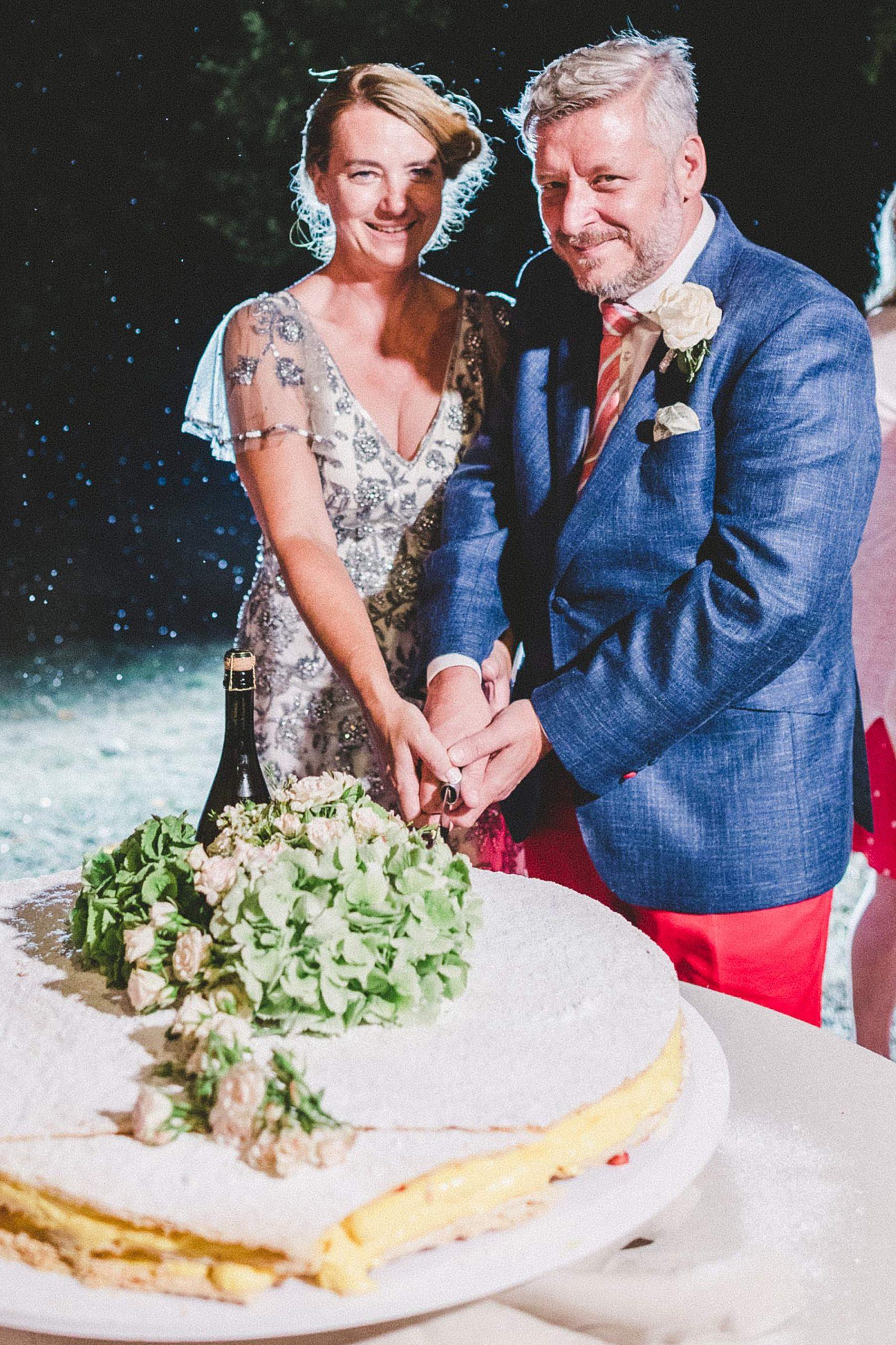matrimonio a dozza taglio torta