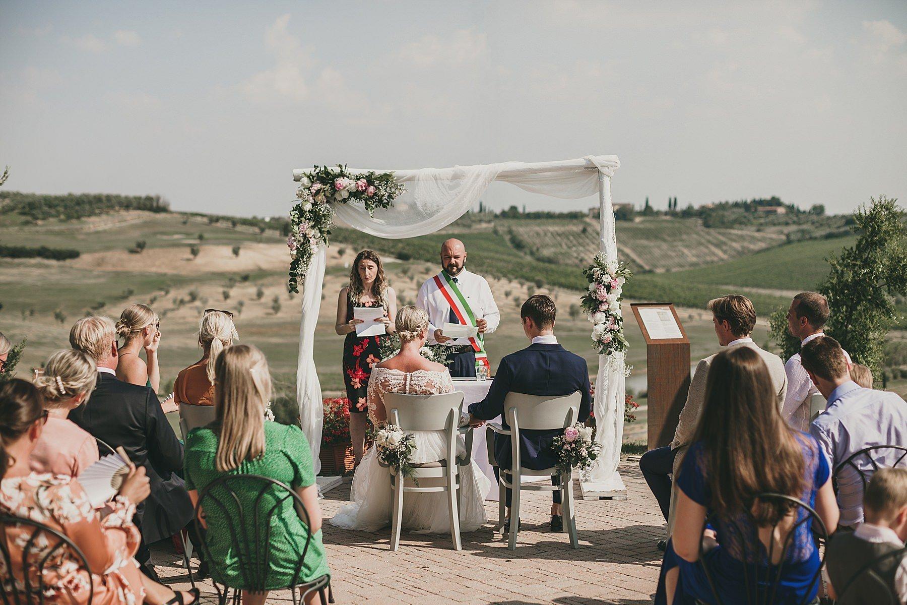 cerimonia di matrimonio all aperto a bellosguardo vinci 070