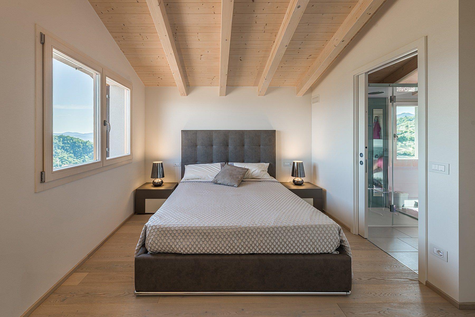fotografia di interni camera da letto bifamiliare in toscana